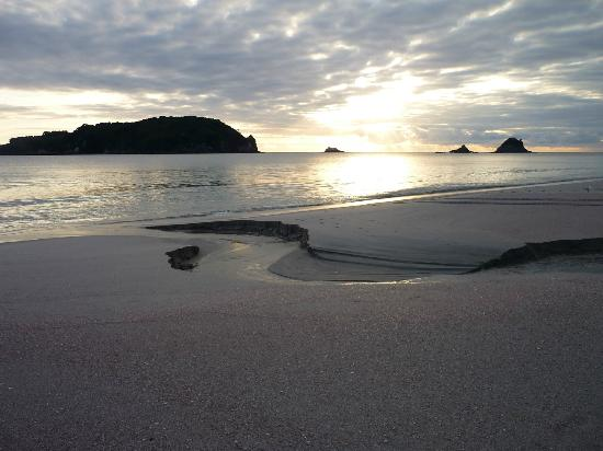 Hahei Oceanfront: Get up early for these views 