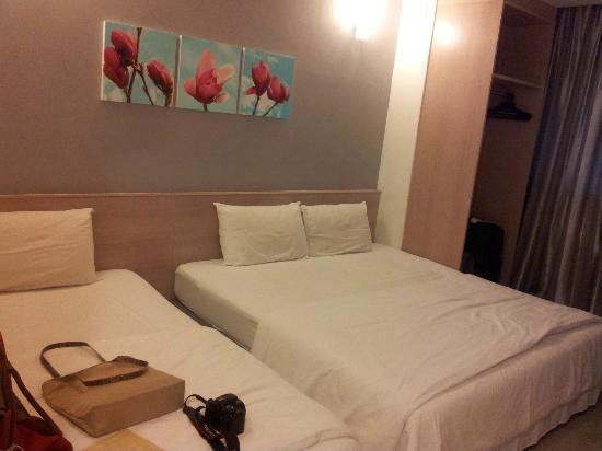 Iris Garden Hotel: Family Room