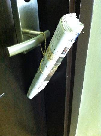 Savana Hotel & Convention: Newspaper every morning
