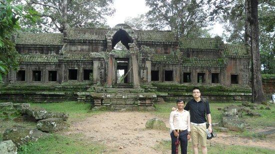 Angkor Wat Day Tour: Thal & I at the rear entrance to Angkor Wat