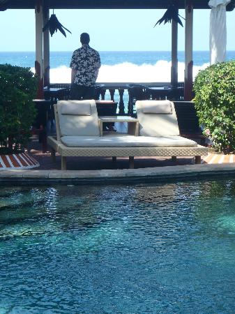 Pondok Bambu: Pool lounge