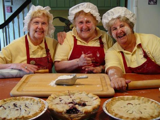 ‪‪Berry Manor Inn‬: The Pie Moms of Berry Manor Inn in Rockland, Maine‬