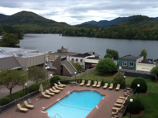 High Peaks Resort: View of the outdoor pool & Mirror Lake from our room