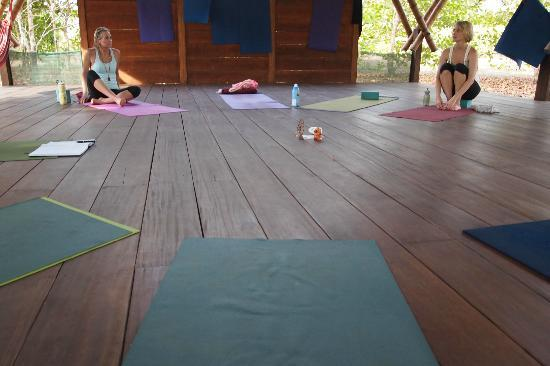 Boca Sombrero: yoga platform
