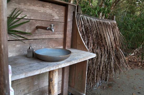 Boca Sombrero: sink