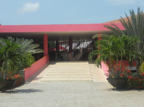 Decameron Barú: Main entrance to resort
