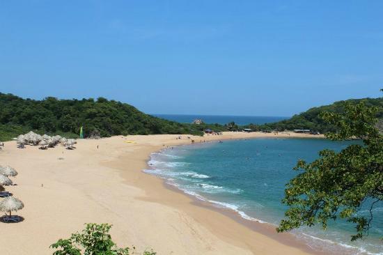 Secrets Huatulco Resort & Spa: Gorgeous bay