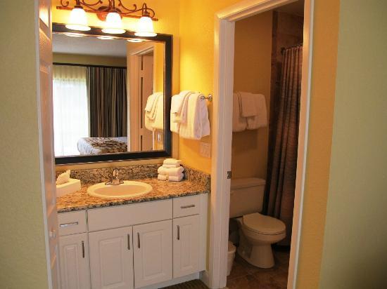 Holiday Inn Club Vacations Orlando - Orange Lake Resort: Bathroom