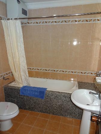 Cam Do Hotel: la salle de bain