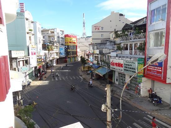 Cam Do Hotel: la vue de la chambre (carrefour)