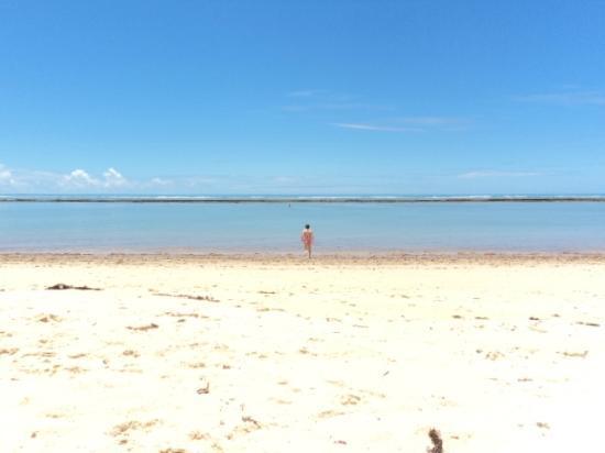 Arraial Praia Hotel Pousada: playa de la posada