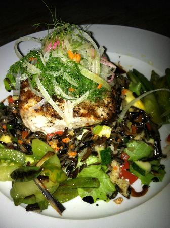 Holuakoa Cafe & Gardens : Holuakoa Cafe Mahi Mahi dish