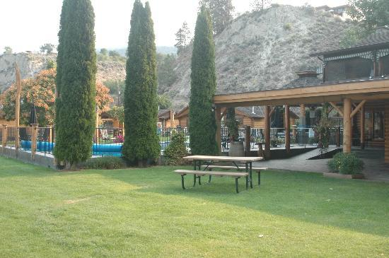 Sandy Beach Lodge & Resort: Hot tub and Pool