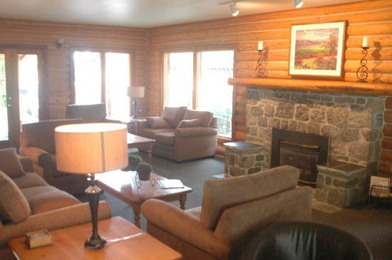 Sandy Beach Lodge & Resort: Sitting area
