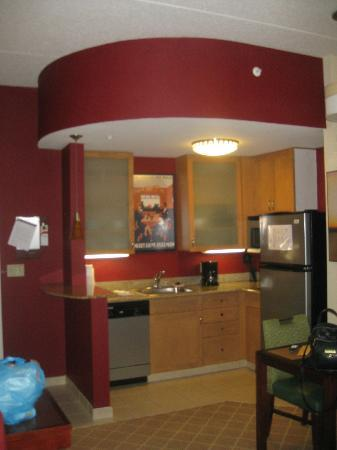 Residence Inn Philadelphia Langhorne: Kitchenette
