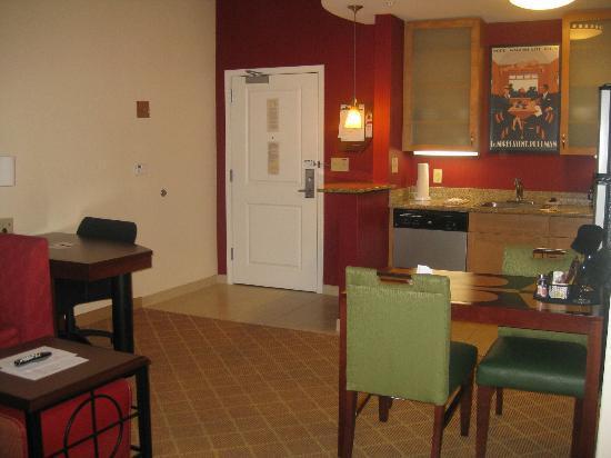 Residence Inn Philadelphia Langhorne: Our room