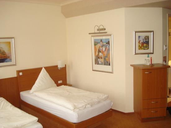 Hotel Palmenhof: Clean Beds