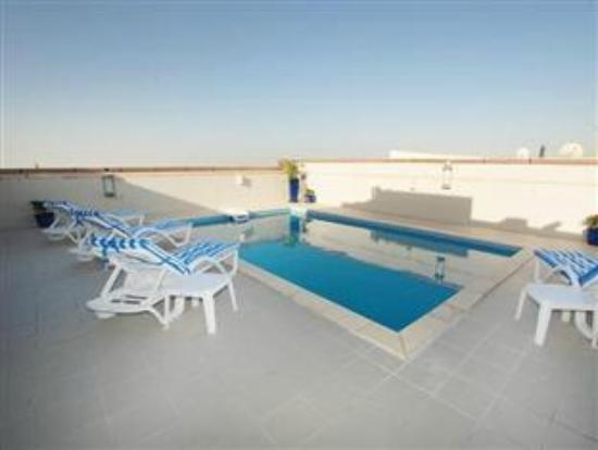 Lou Lou Asfar Hotel Apartment: Swimming Pool