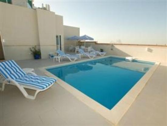 Lou Lou Asfar Hotel Apartment: Swimming pool