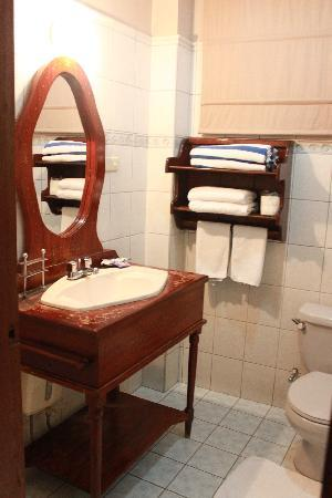 True Home Hotel, Boracay: Bathroom