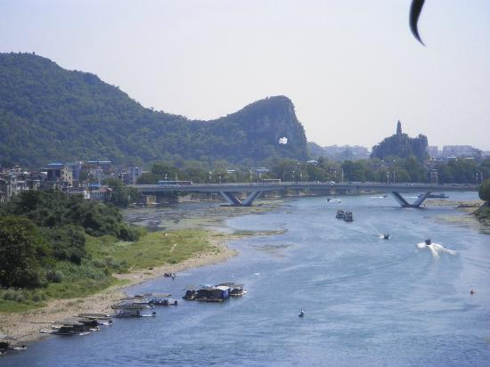 Guilin Homing Hotel : View from Elephant trunk hill park