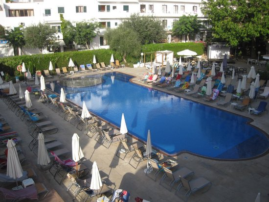 SENTIDO Tucan: Pool view from room