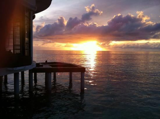 Jumeirah Dhevanafushi: SUNSET