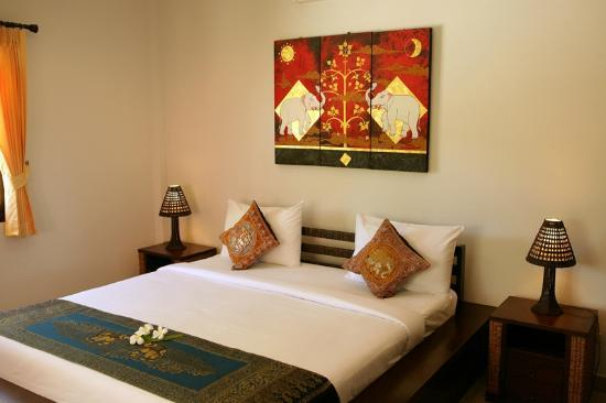 Chor Chang Villa Resort : Villa 2 bedrooms superior - King Size Bed room