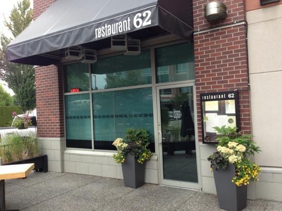 Restaurant 62: front entrance