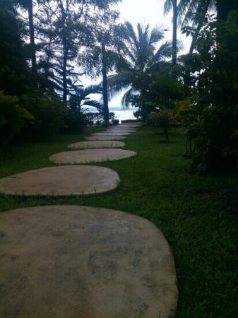The Souk: Path go the beach