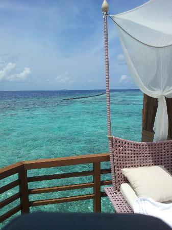 Baros Maldives: villa deck