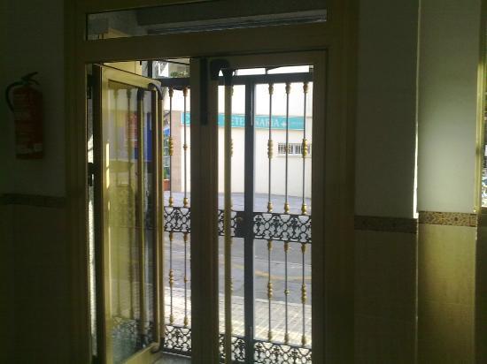Hotel Galicia: entrance