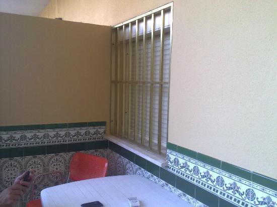Hotel Galicia: window