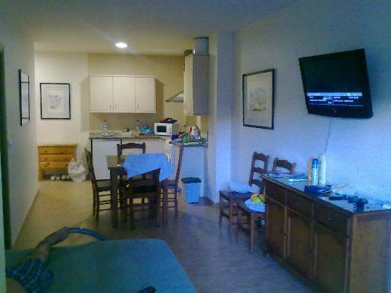 Hotel Galicia: livingroom+ kitchen