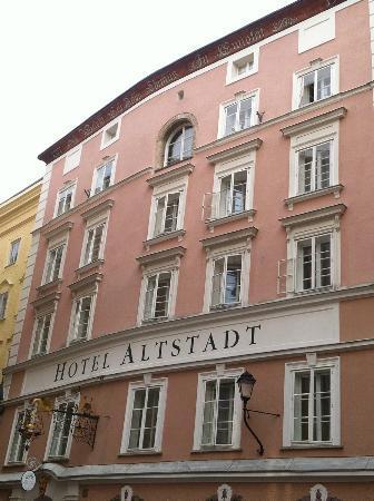 Radisson Blu Hotel Altstadt, Salzburg: Front of hotel