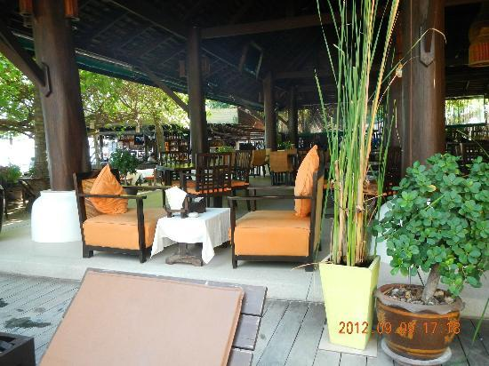 Chaweng Garden Beach Resort: Restaurant