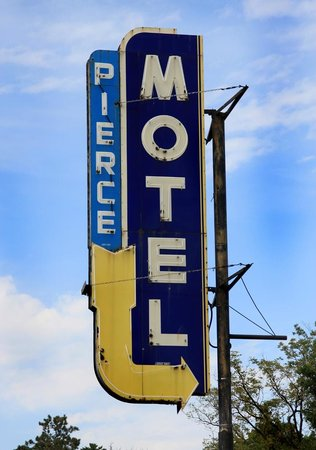 Anoka, MN: Motel sign