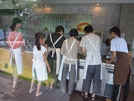 Morioka Handi-Works Square: 冷麺手づくり体験工房
