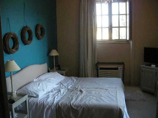 Chateau de Rochegude : Bedroom