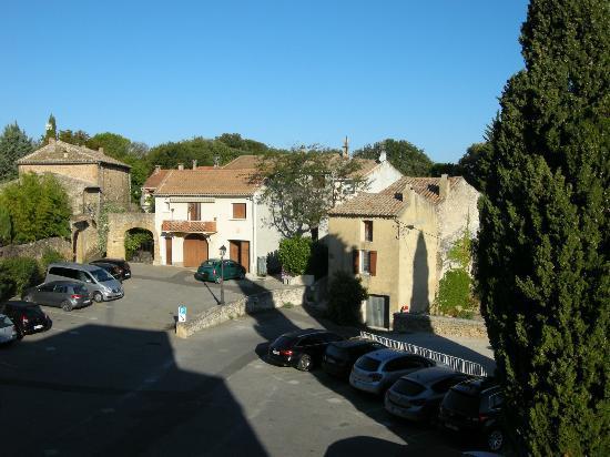 Chateau de Rochegude : Outside the hotel