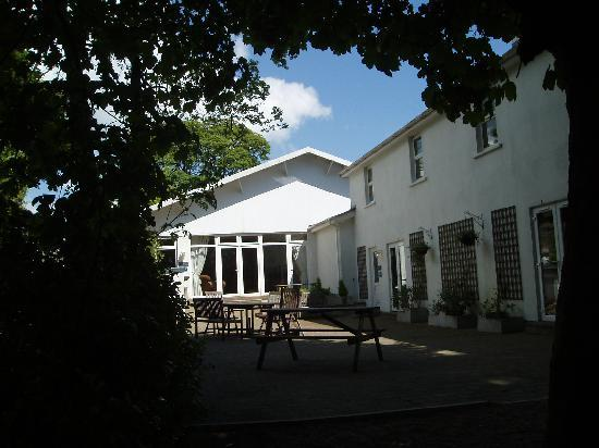 Ballacain Courtyard Cottages: Courtyard