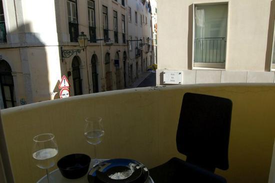 Les Suites Du Bairro Alto: the balcony