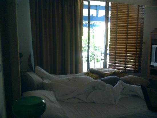Kantary Bay, Phuket: sliding door to the balcony from the bedroom