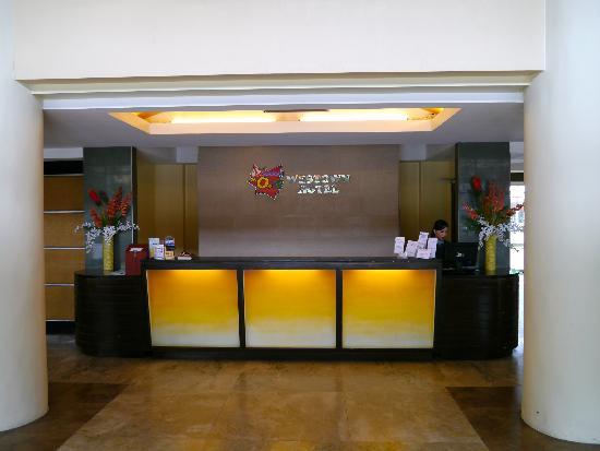 MO2 Westown Hotel-Mandalagan: Reception
