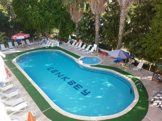 Cenk Bey Hotel: Swimming Pool Area