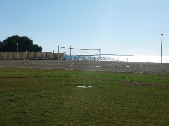 Apollonium Spa & Beach: Volleyball pitch