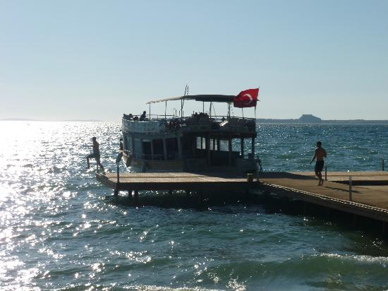 Apollonium Spa & Beach: Excursion boat