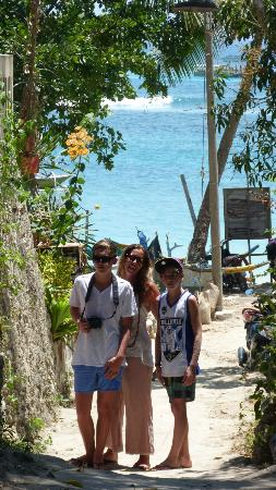 Lembongan Cliff Villas: walk to the beach 2 min