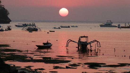 Lembongan Cliff Villas: sunset