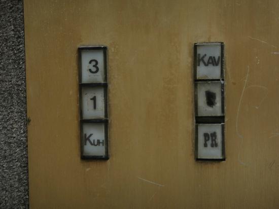 Hotel Bellevue Split: Botonera del ascensor!! Da miedo